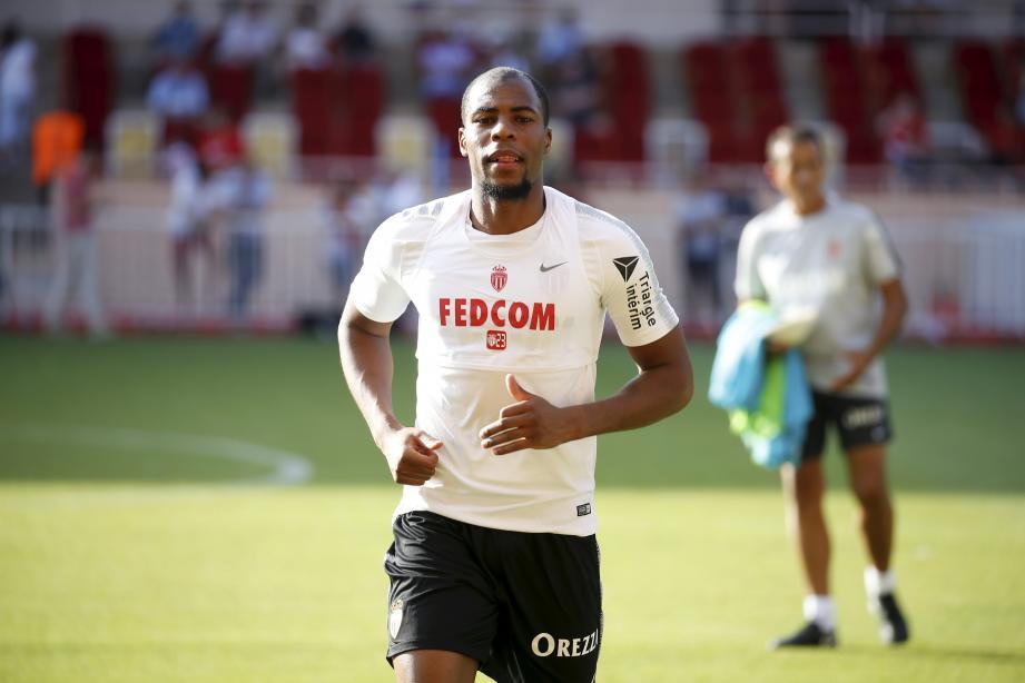 Mercato Everton : Sidibé ne rentrera pas à Monaco
