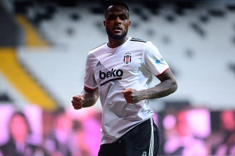 Cyle Larin de Besiktas à la Premier League